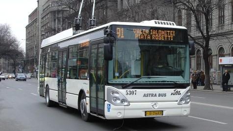 Troleibuzele din Bucureşti vor avea aer condiţionat. Cât costă?