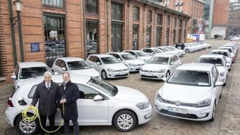 Volkswagen a oferit 50 de maşini e-Golf locuitorilor din Hamburg