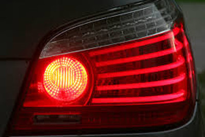 RAR: Cele mai frecvente probleme ale maşinilor, luminile şi semnalizarea