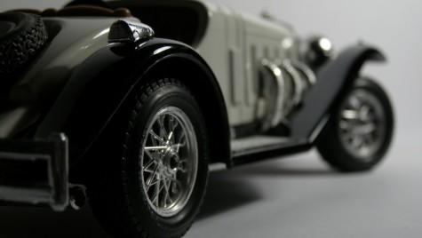 Automobilele istorice intră în prima competiţie de viteză