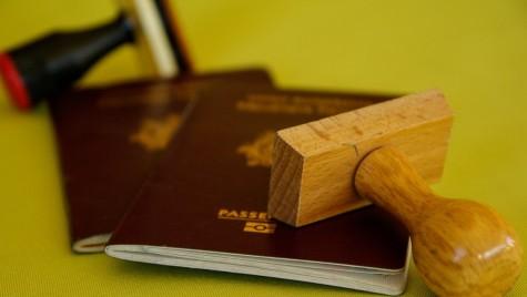 Senatul a aprobat valabilitatea de 10 ani pentru paşaport