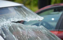 Despăgubirea autovehiculelor avariate de copacii căzuţi, doar prin CASCO