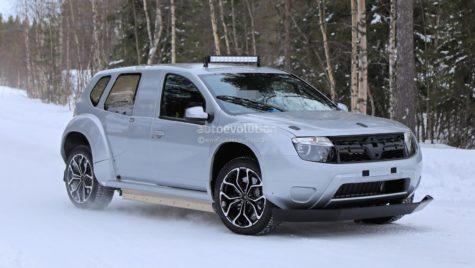 Dacia Duster electric surprins în teste!