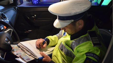 Cum scapi de amenda pentru folosirea telefonului la volan