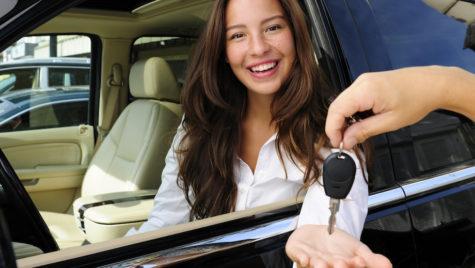 Cine poate apela la o firmă de închirieri auto București?