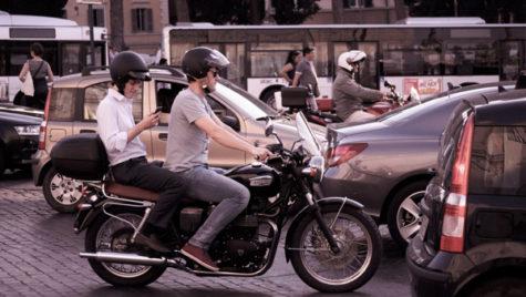 Extinderea valabilităţii permiselor pentru categoria B şi la motociclete (A1), susţinută de Guvern