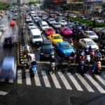 Deplasarea cu autoturismul, principalul mod de transport urban în România