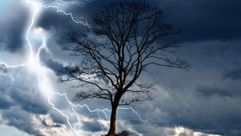 Atenţionare de călătorie. Furtuni violente în partea de sud a Franţei