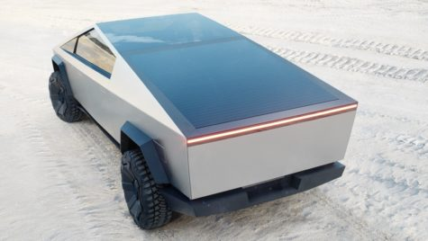Tesla Cybertruck se va încărca de la soare