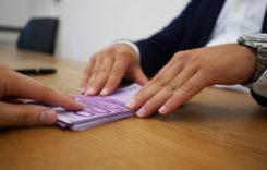 BNR relaxează condiţiile pentru amânarea la plată a ratelor la credite
