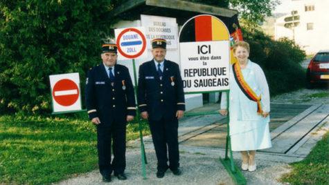 LOCURI NEŞTIUTE. Republica Saugeais, cu bancnotă, drapel şi preşedinte. Nu este recunoscută de Franţa