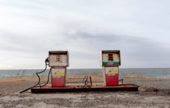 """Mesaje cu """"Poluarea Ucide"""" în benzinării"""