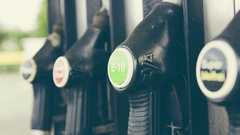 Preţul petrolului continuă să scadă la minime istorice