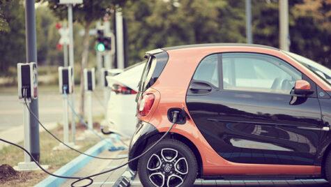 Topul oraşelor cu staţii pentru maşini electrice finanţate de stat