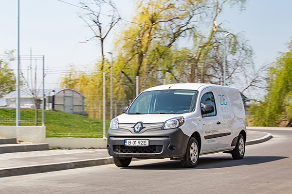 Test drive Renault Kangoo ZE Maxi 33 Confort floteauto.ro
